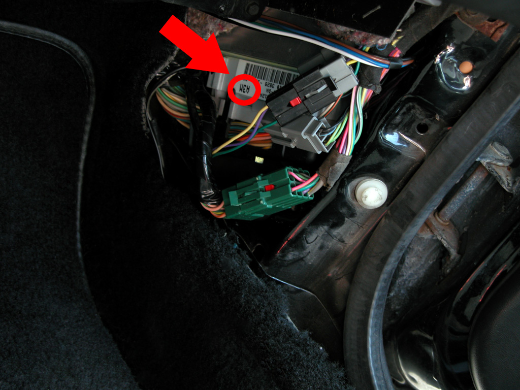 1993 ford mustang fuse box location
